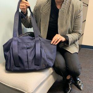 Lululemon bag in good condition